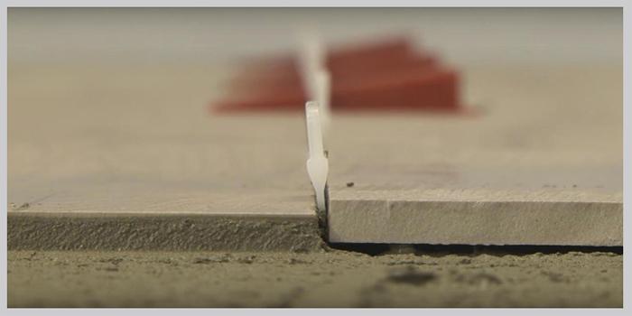 LEVELLO ® je jedinečná pomôcka k vyrovnaniu obkladačiek a dlažby pri pokládke